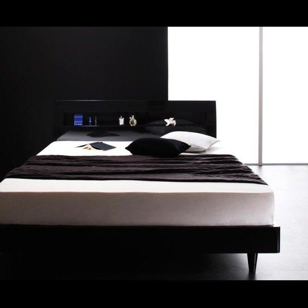 画像3: 鏡面光沢仕上げ 棚・コンセント付きモダンデザインすのこベッド【Degrace】ディ・グレース