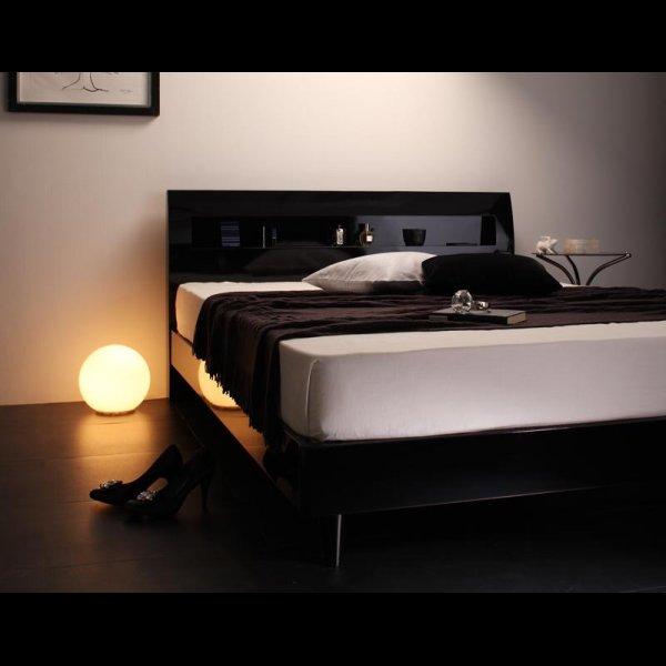 画像5: 鏡面光沢仕上げ 棚・コンセント付きモダンデザインすのこベッド【Degrace】ディ・グレース