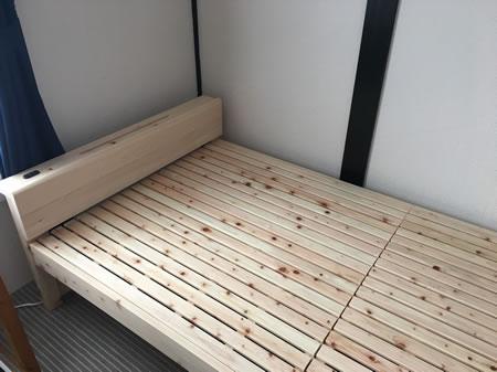 日本製無塗装ひのきすのこベッド:スマホスタンド付き