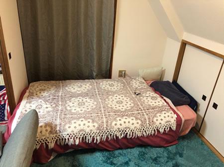 ショート丈にも対応した高反発ウレタン脚付きマットレスベッド